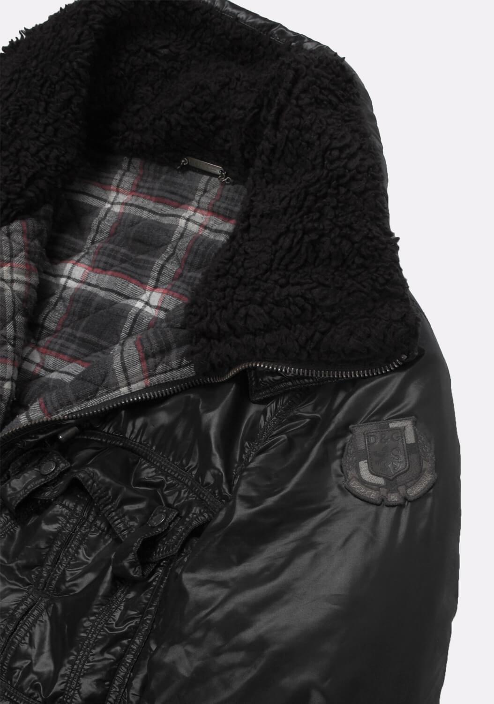 Dolce-Gabbana-vyriska-striuke-5.jpg