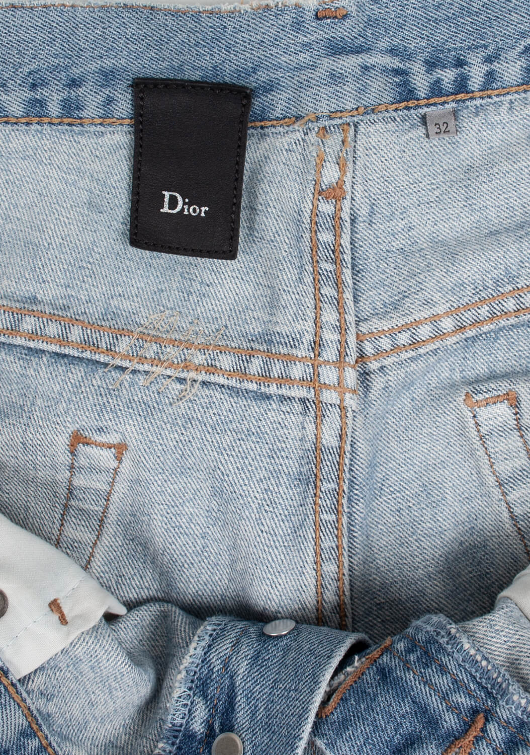 dior-distressed-dzinsai-4